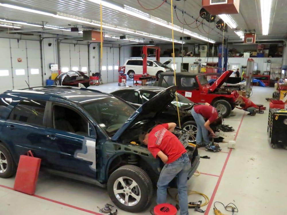 Morrill Collision Repair: 702 Roxanna St, Morrill, KS
