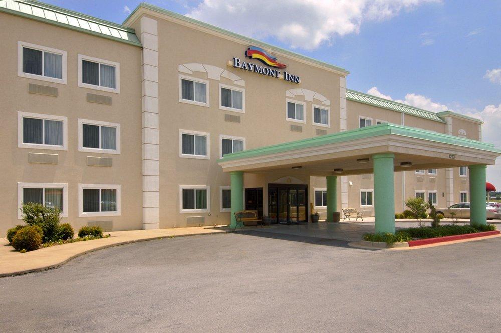 Baymont by Wyndham Lawton: 1203 Nw 40th Street, Lawton, OK
