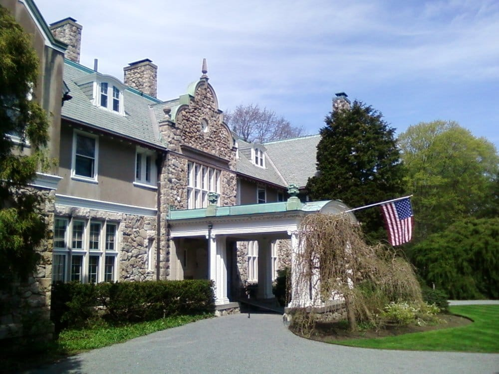 Blithewold Mansion Facing Ferry Road Main Entrance To The Museum Yelp
