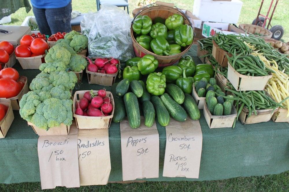 Wyandotte Farmers Market: 102 Elm St, Wyandotte, MI