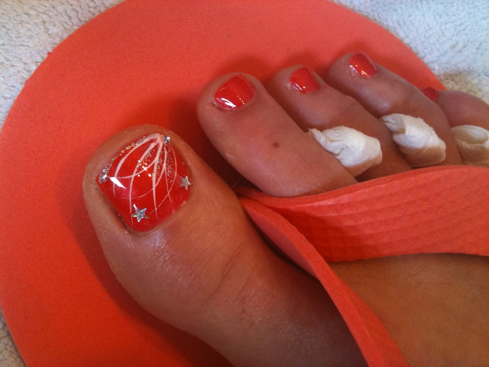 4th Of July Glitz Fireworks Nail Art Design Over Sation Red Hot