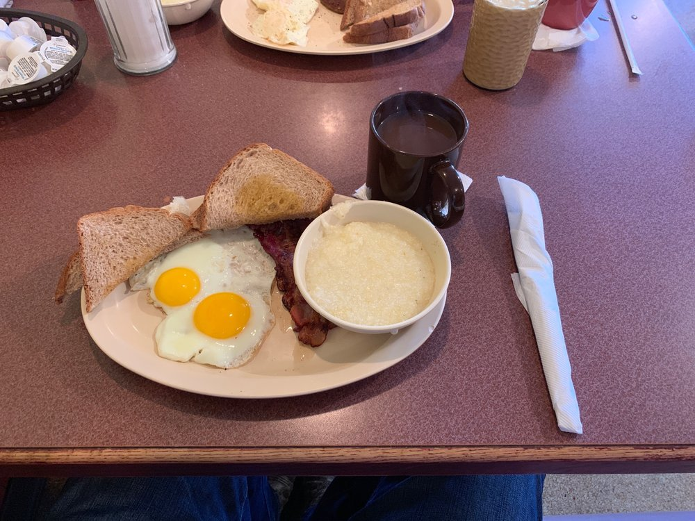 Nanny's Restaurant: 333 Tunica Dr W, Marksville, LA