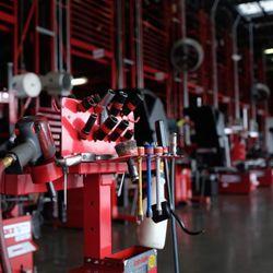 Discount Tires Denver >> Discount Tire 43 Reviews Roadside Assistance Tires Southwest
