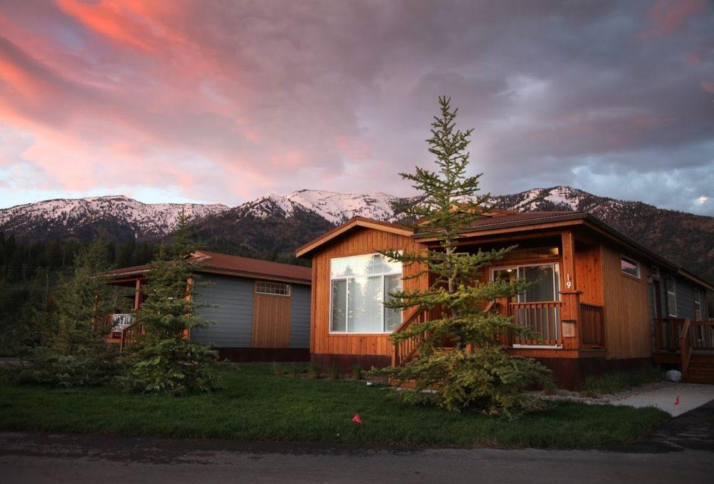 Targhee Place: 1180 US-26, Alpine, WY