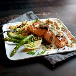 Photo Of Claim Jumper Restaurants Burbank Ca United States