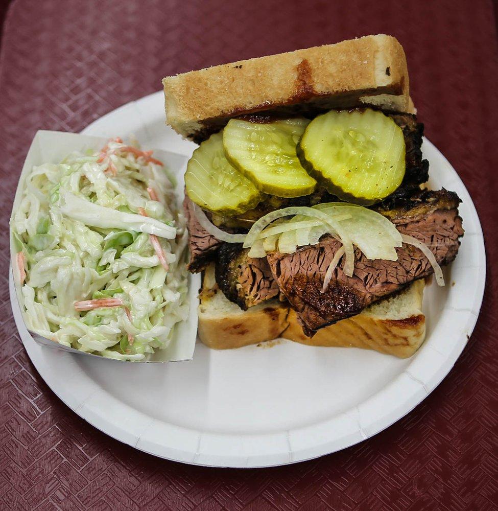 Chester's Barbecue: 10 W Main St, Clinton, CT