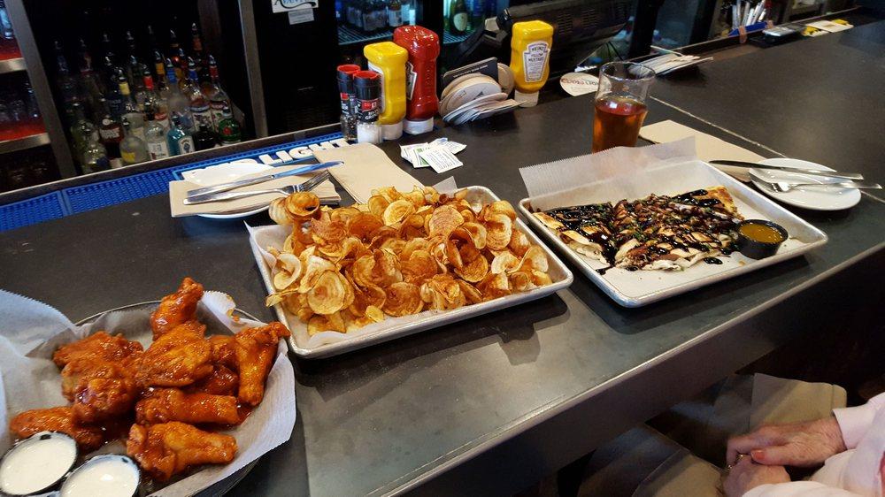 Brygge Taps & Tastes: 111 Veterans Memorial Pkwy, Detroit Lakes, MN