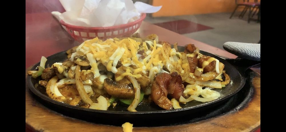 Macarios Mexican Restaurant: 302 Olson Rd, Boardman, OR