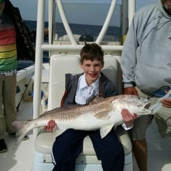 Bayrunner fishing charters 10 fotos pesca 1a shelter for Red fish hilton head sc