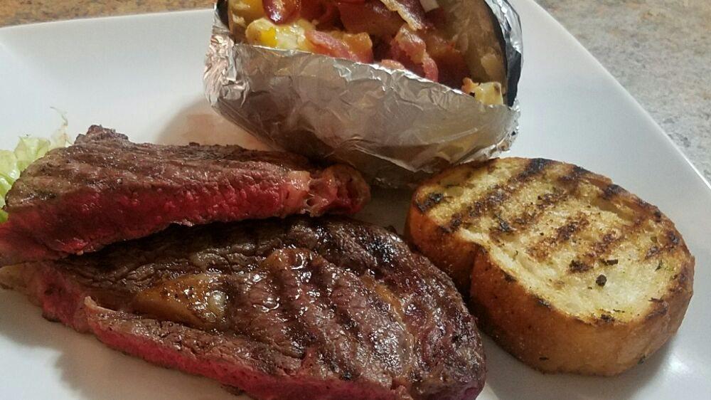 Brady's Restaurant TB's Bar & Grill: 80 Powe St, Cheraw, SC