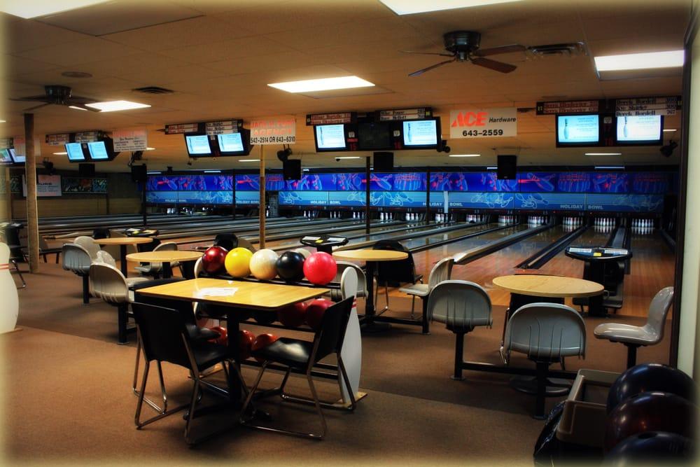 Holiday Bowl: 11862 William Penn Hwy, Huntingdon, PA