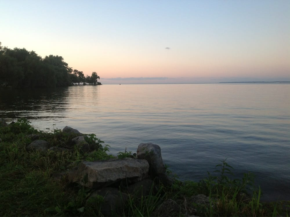 Kalbus Country Harbor: 5309 Lake Rd, Oshkosh, WI
