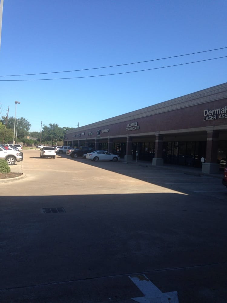 Goodwill Distribution Center: 5765 Woodway Dr, Houston, TX