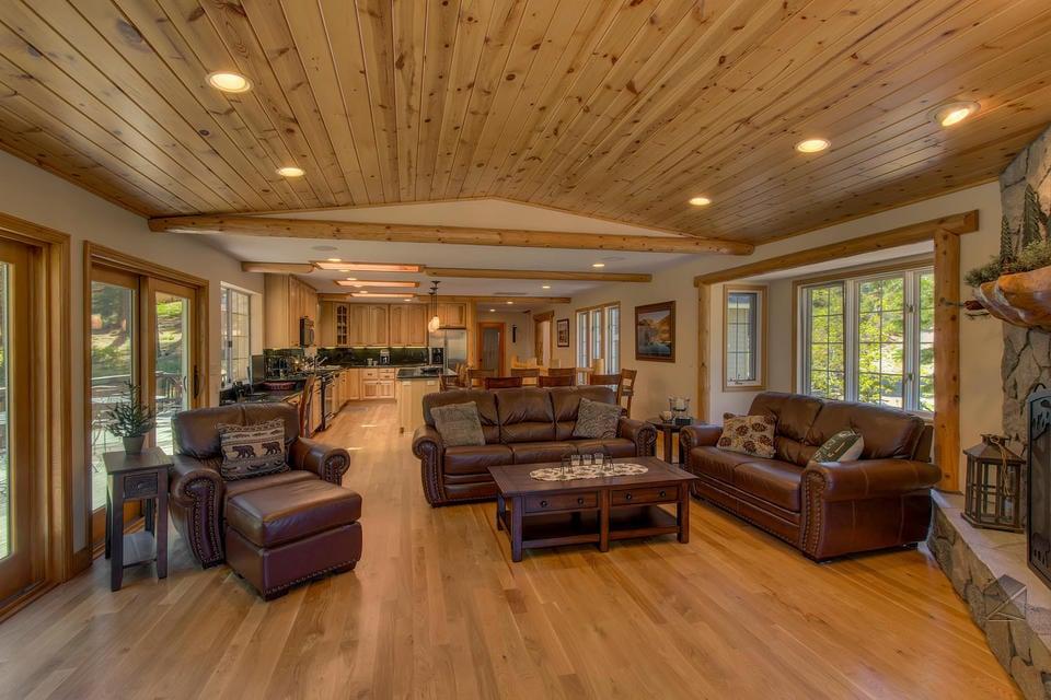 Aquilina Hardwood Floors