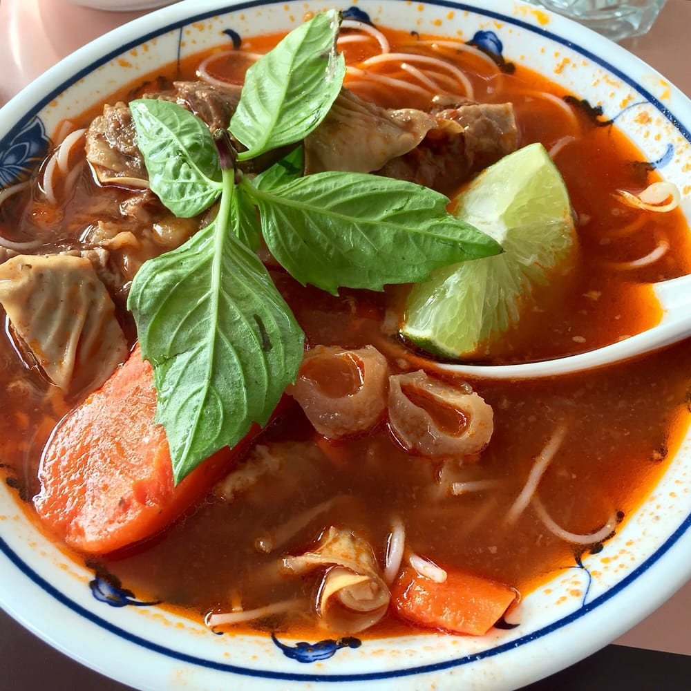 Beef Stew With Tendon And Vermicelli