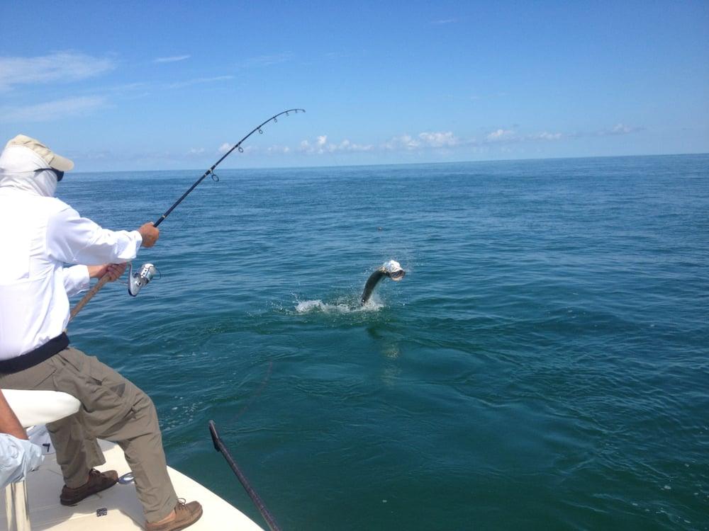 Soc et tu um charters 18 photos fishing 1129 pebble for Duck key fishing charters