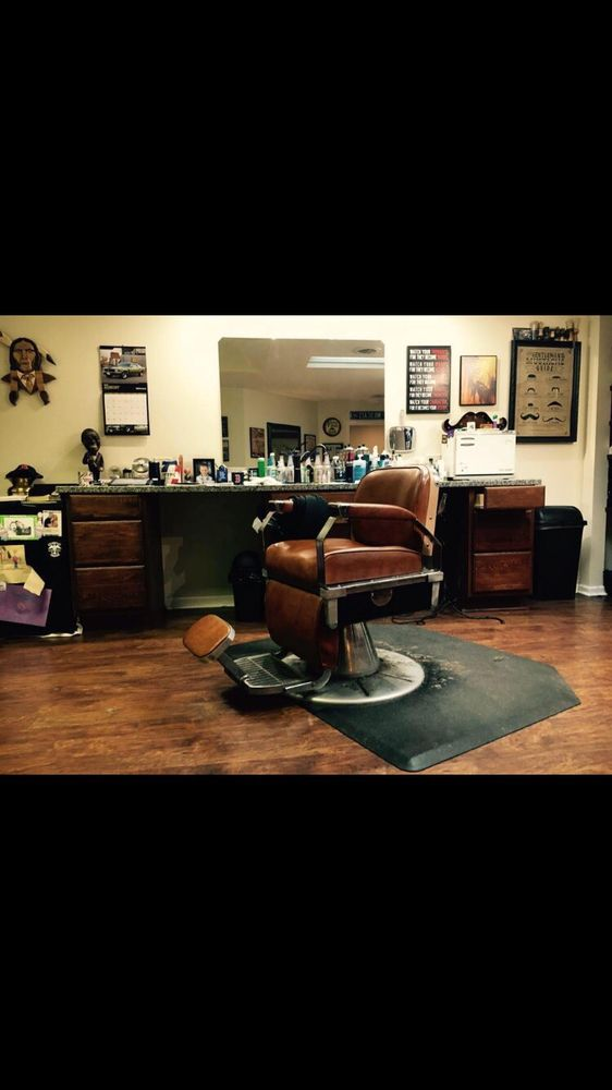 Andy's Barber Shop: 56 W Market St, Wabash, IN