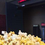 Starlight 4Star Cinemas 102 Photos 230 Reviews Cinema