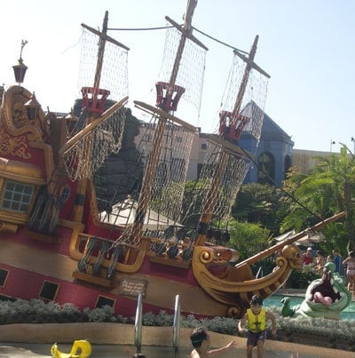 Disneyland Hotel Review - Disney Tourist Blog