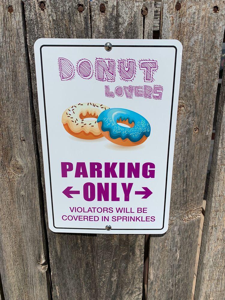 Chimmy's Donuts & Kolaches: 802 Garza Ave, Tuscola, TX