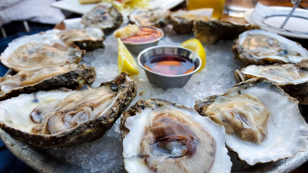 Pearlz Oyster Bar: 153 E Bay St, Charleston, SC