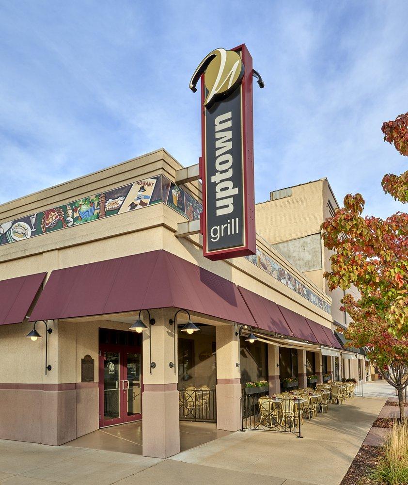 Uptown Grill: 601 1st St, La Salle, IL