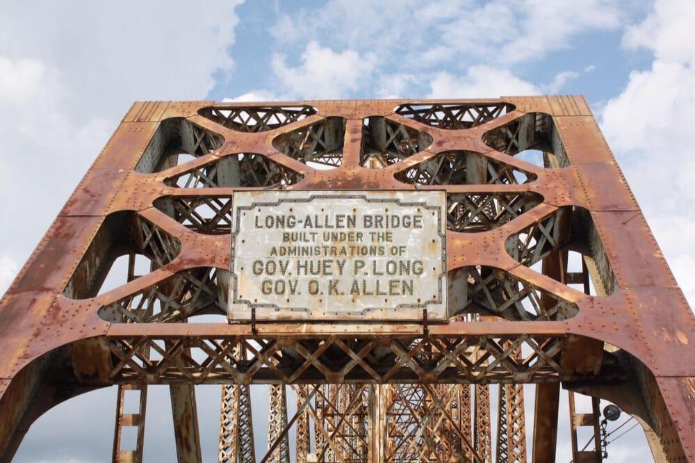 Long-Allen Bridge: Bellview Front St, Berwick, LA