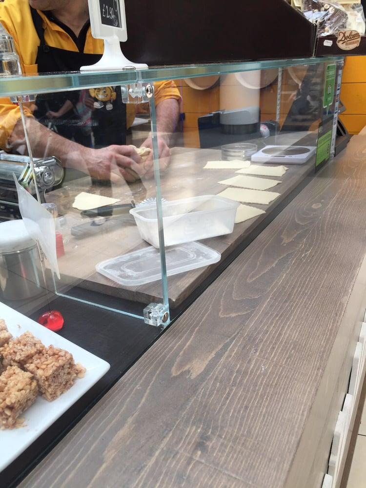 Tortellinicup cocina italiana 255 finchley road swiss - Cyberdog london reino unido ...