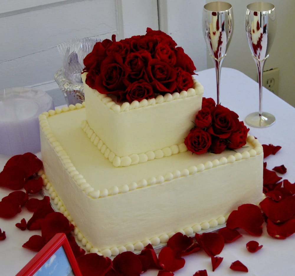 2-tier Square Wedding Cake For A Smaller Wedding Reception