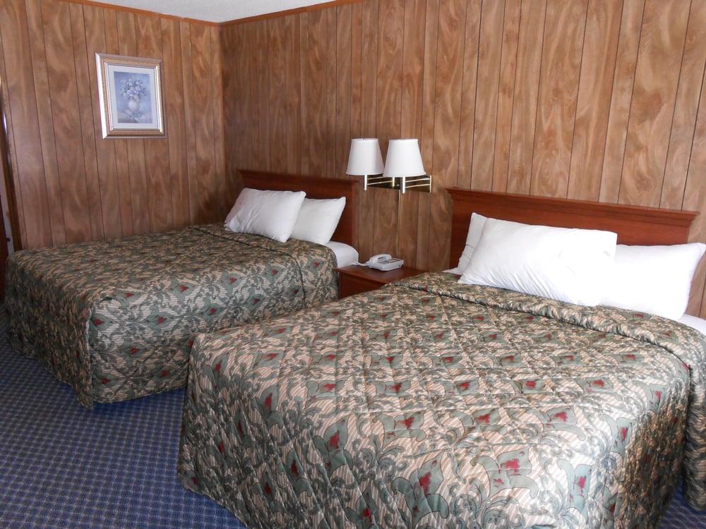 Carolina Lodge: 500 1st St W, Hampton, SC