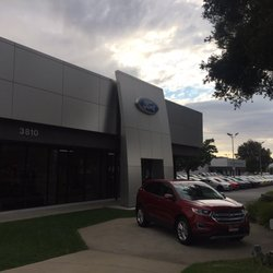 dch ford of thousand oaks 48 photos 86 reviews car dealers 3810 e thousand oaks blvd. Black Bedroom Furniture Sets. Home Design Ideas