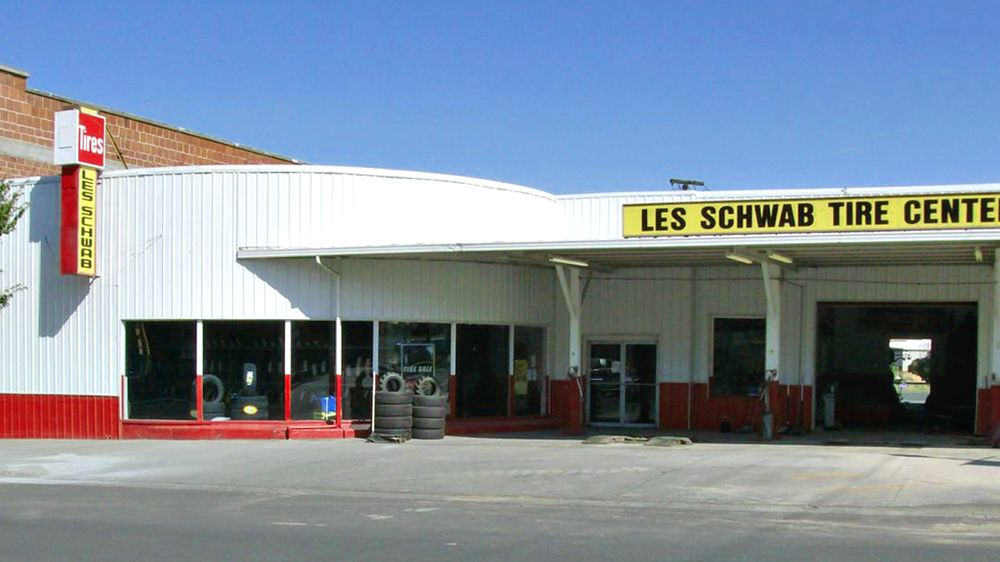 Les Schwab Tire Center: 124 N Main St, Heppner, OR