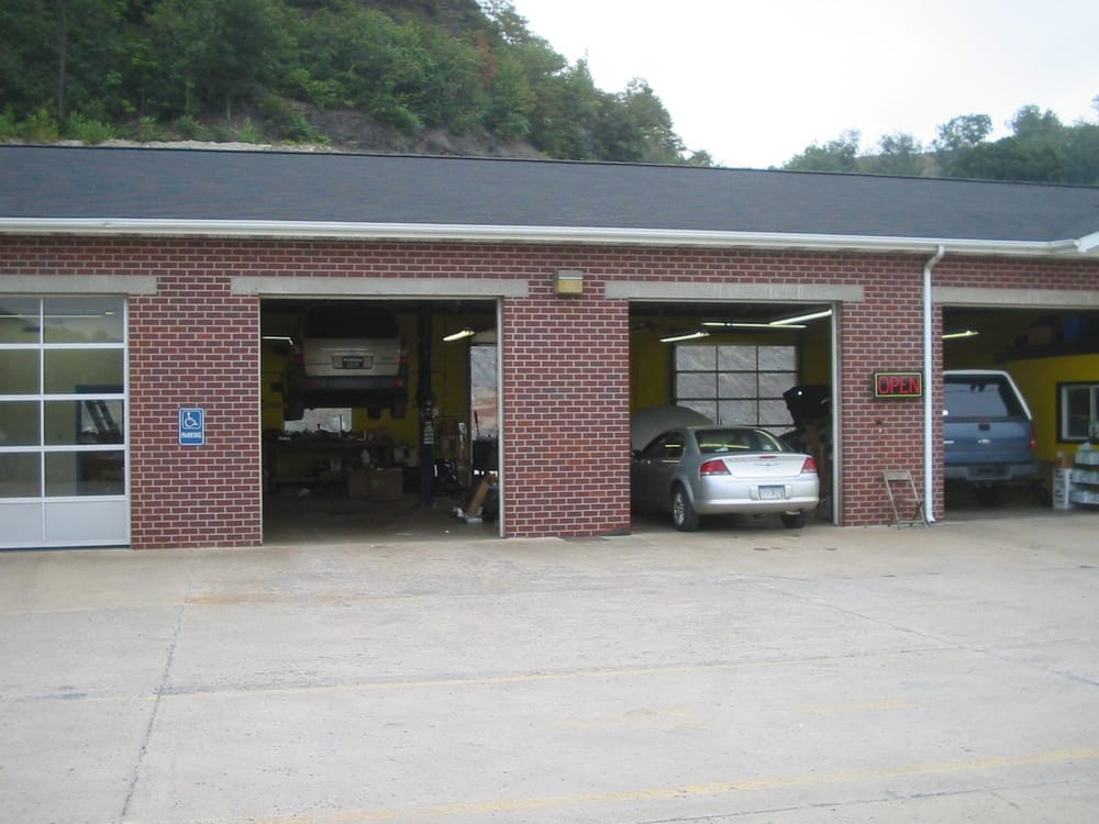 Junction Auto Service: 425 Constitution Blvd, New Brighton, PA