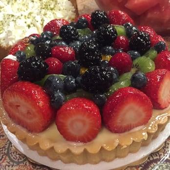 Lunardis Cakes