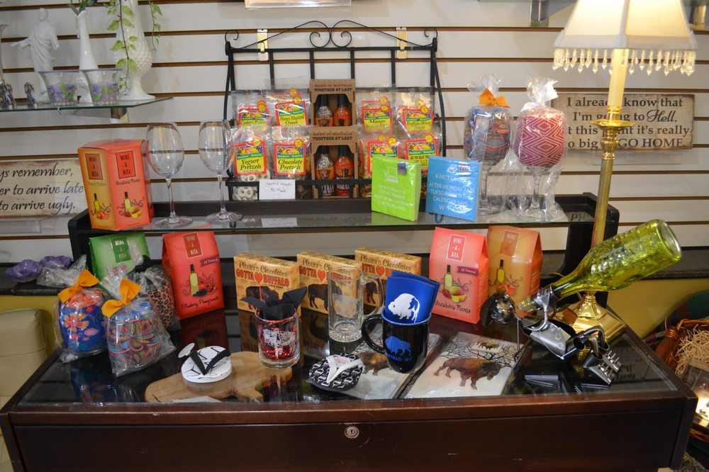 Elaine's Flower Shoppe: 2850 Niagara Falls Blvd, Amherst, NY