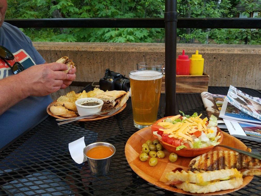 Oberon's Restaurant and Bar: 45 N Main St, Ashland, OR