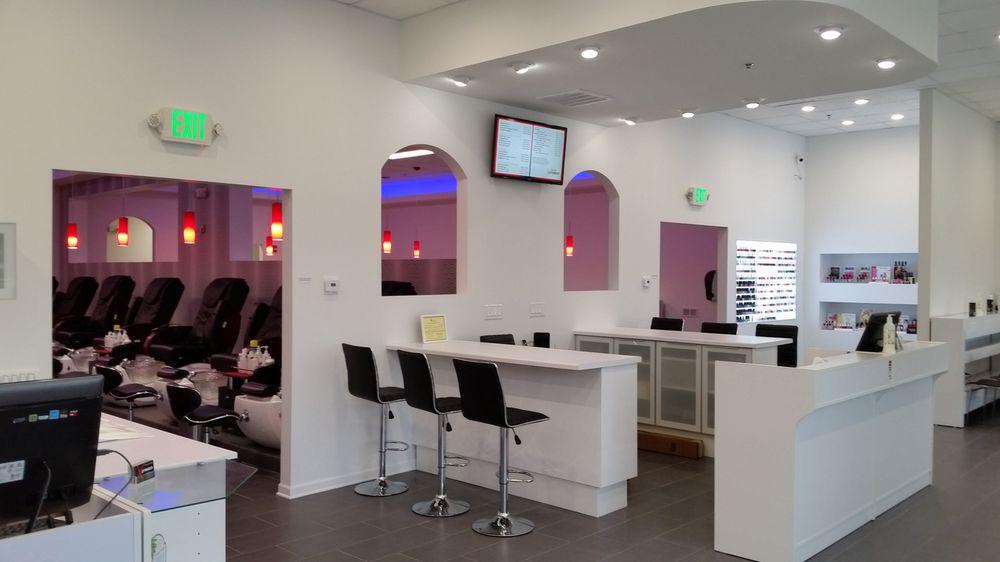 Salon Xpression: 2027 S Neil St, Champaign, IL