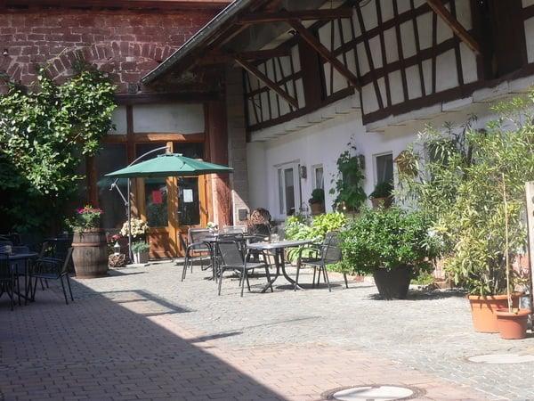 Weinstube Mühlhäuser - Alsatian - Hauptstr. 50+51, Niederhorbach ...