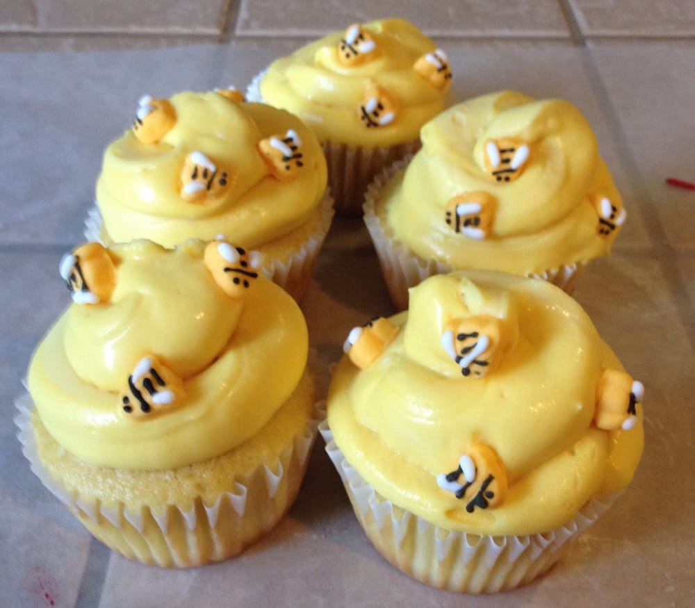 Busy Bees Cupcakery - 408 Photos & 49 Reviews - Bakeries ...