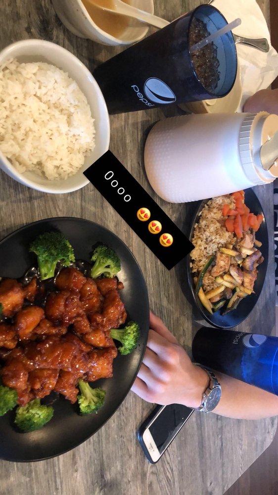 Chopsticks Japanese Restaurant: 133 W Cornelius Harnett Blvd, Lillington, NC