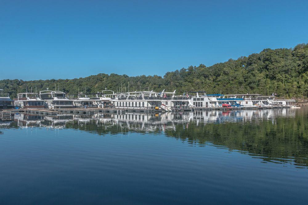 Lake Cumberland State Dock: 6365 State Park Rd, Jamestown, KY