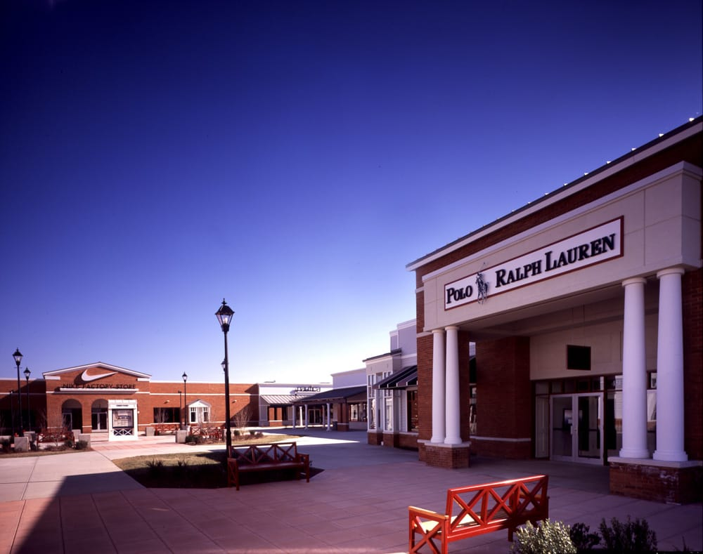 Photo of Leesburg Corner Premium Outlets: Leesburg, VA