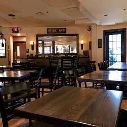 Photo Of The Hound S Tale Williamsburg Va United States Restaurant Area