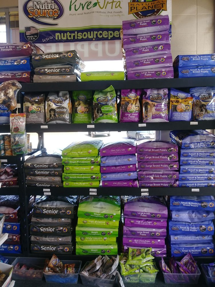 Red Dog Pet Supply: 100 Depot St, Rogue River, OR
