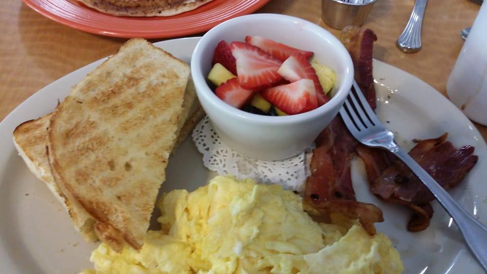 Miracle Mile Cafe San Rafael Ca
