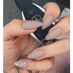 J spa nails
