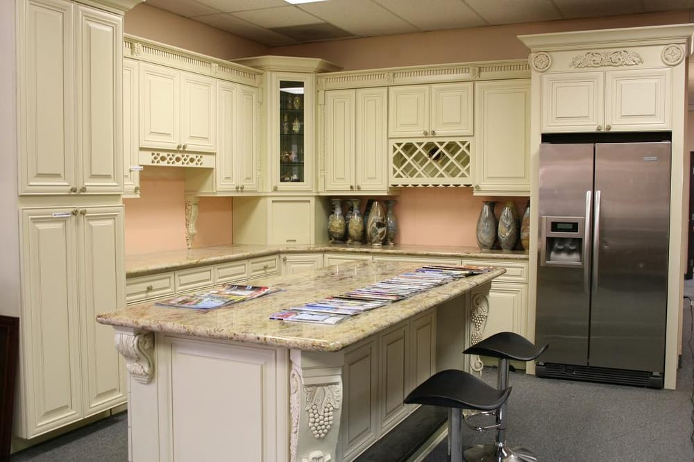 Cream Maple cabinet with Solarius Granite counter top - Yelp on Best Countertop Color For Maple Cabinets  id=97678