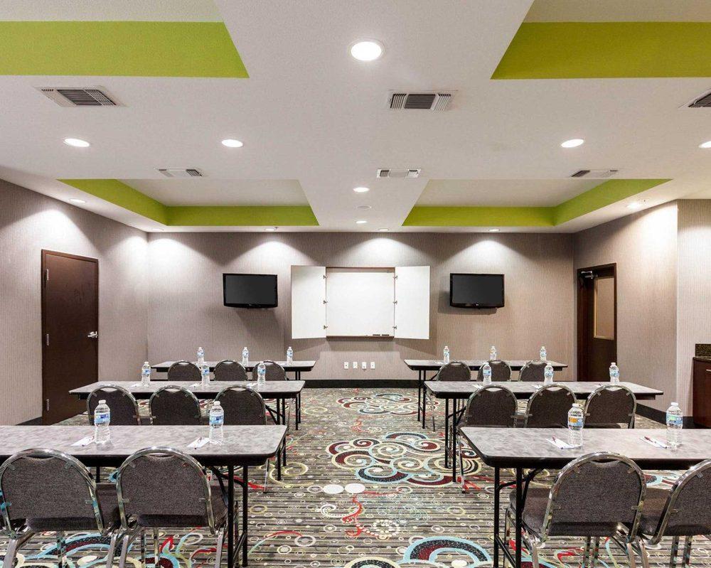 Comfort Suites Greenville: 2005 Center Point Lane, Greenville, TX