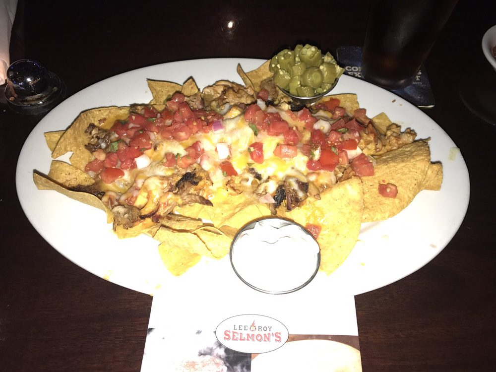 pulled pork and chicken nachos from lee roy selmons sports bar rh yelp com Leroy Selmon Tampa Chicken and Waffles lee roy selmon's tampa fl 33607