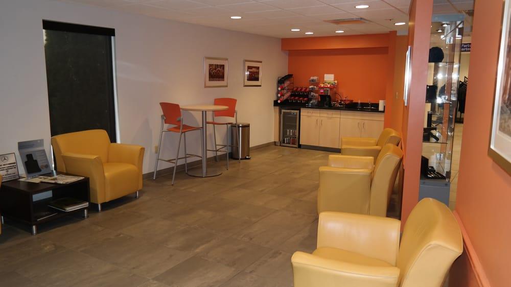 Mercedes benz of birmingham service waiting area and snack for Mercedes benz of birmingham hoover al